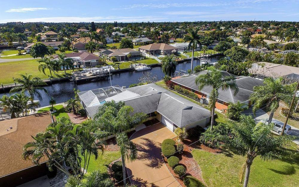 1940 SE 31st Ter, Cape Coral - House For Sale 62277365