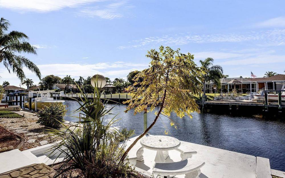 1940 SE 31st Ter, Cape Coral - House For Sale 1289108927