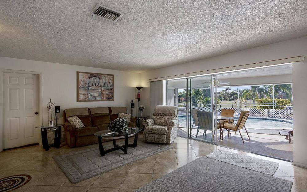 1940 SE 31st Ter, Cape Coral - House For Sale 1978029146