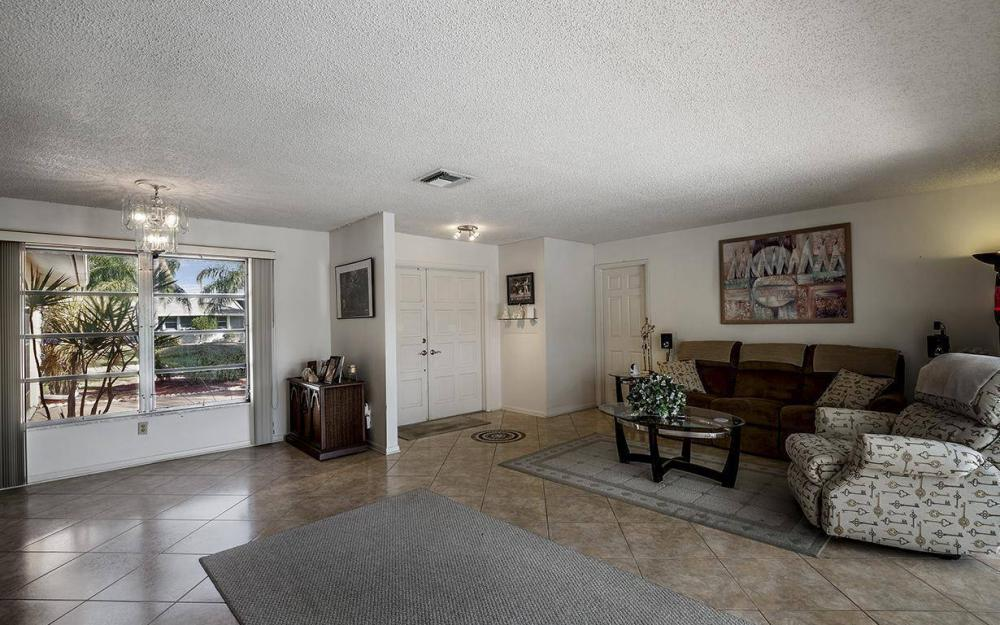 1940 SE 31st Ter, Cape Coral - House For Sale 1824652700
