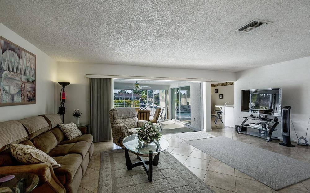 1940 SE 31st Ter, Cape Coral - House For Sale 690698501