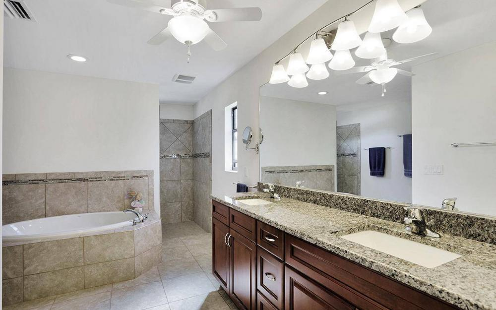 4212 SW 19th Ave, Cape Coral - House For Sale 2080792654
