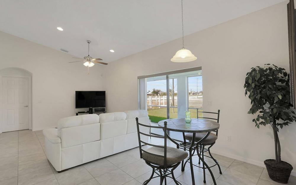 4212 SW 19th Ave, Cape Coral - House For Sale 352909164
