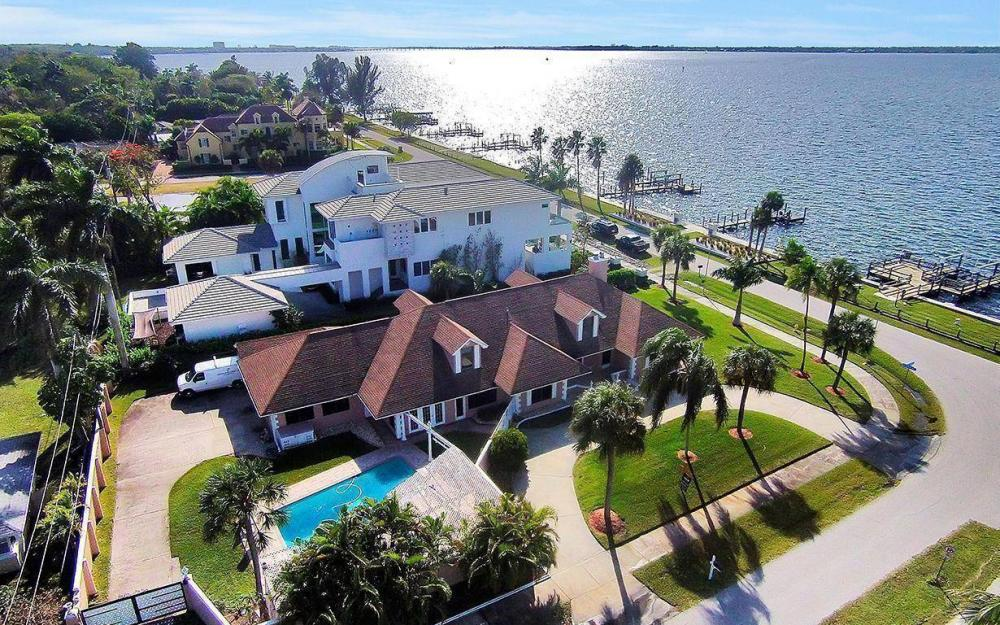 1202 Twin Palm Dr, Fort Myers - House For Sale 882024433