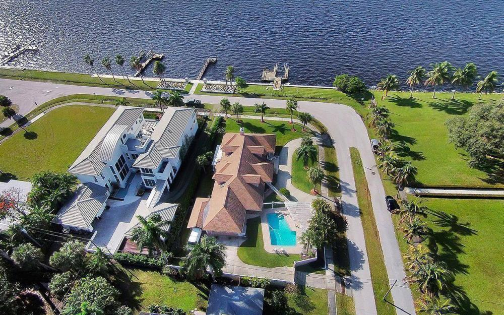 1202 Twin Palm Dr, Fort Myers - House For Sale 871375216