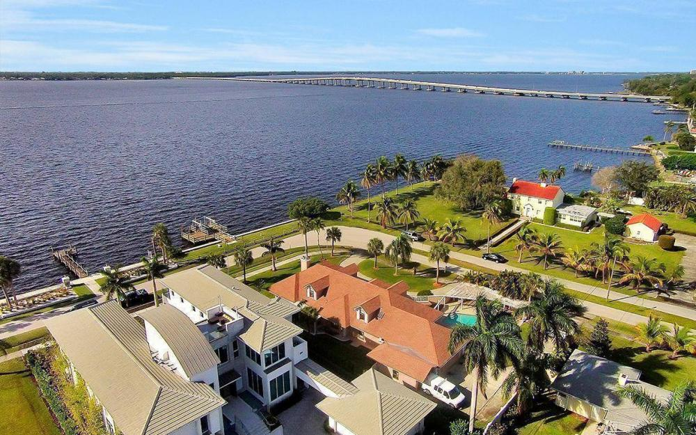 1202 Twin Palm Dr, Fort Myers - House For Sale 771525744
