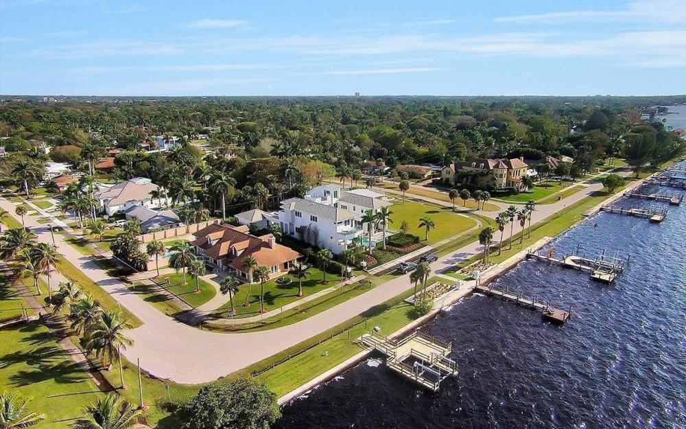 1202 Twin Palm Dr, Fort Myers - House For Sale 40643094