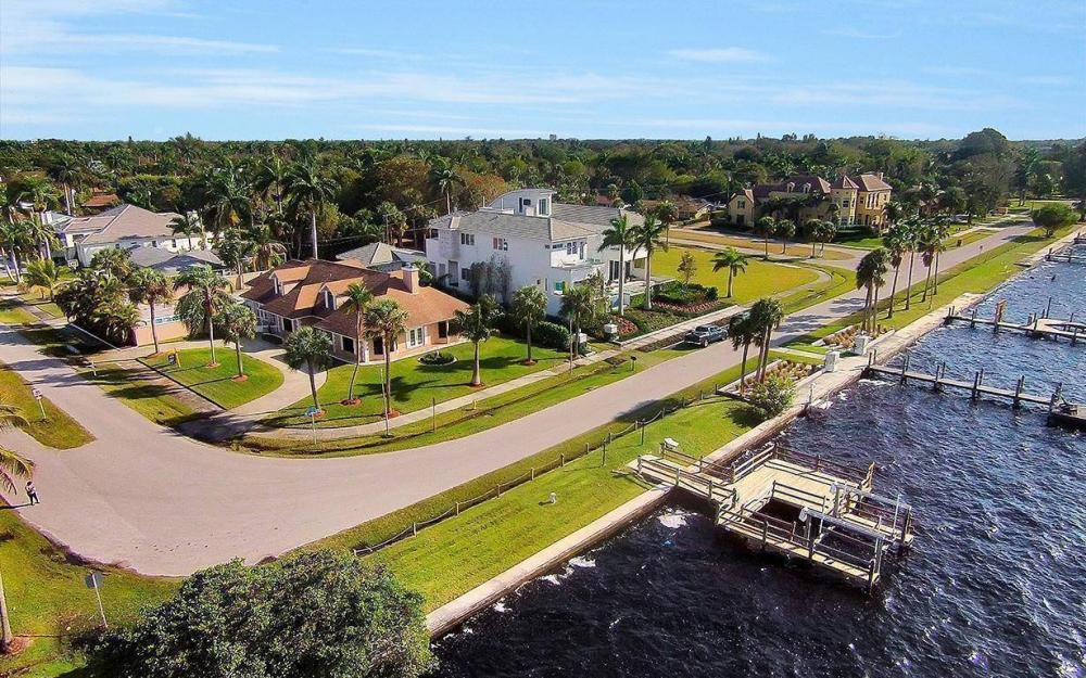 1202 Twin Palm Dr, Fort Myers - House For Sale 767029010