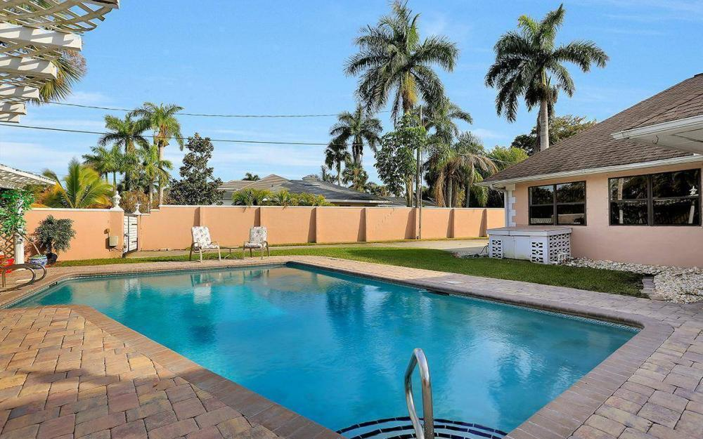 1202 Twin Palm Dr, Fort Myers - House For Sale 131552475