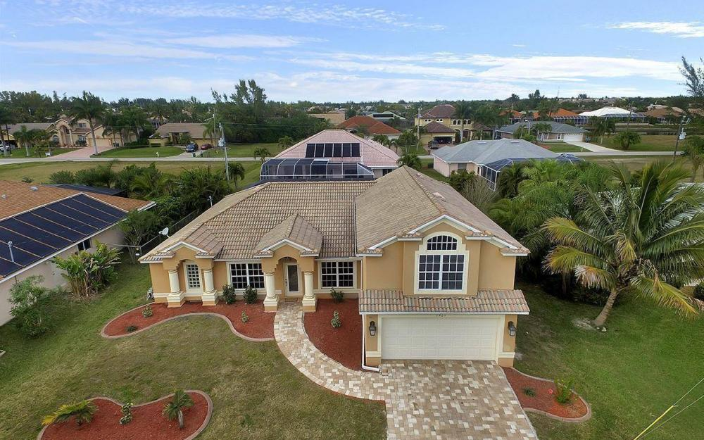1905 SW 51st Ter, Cape Coral - House For Sale 1569035234