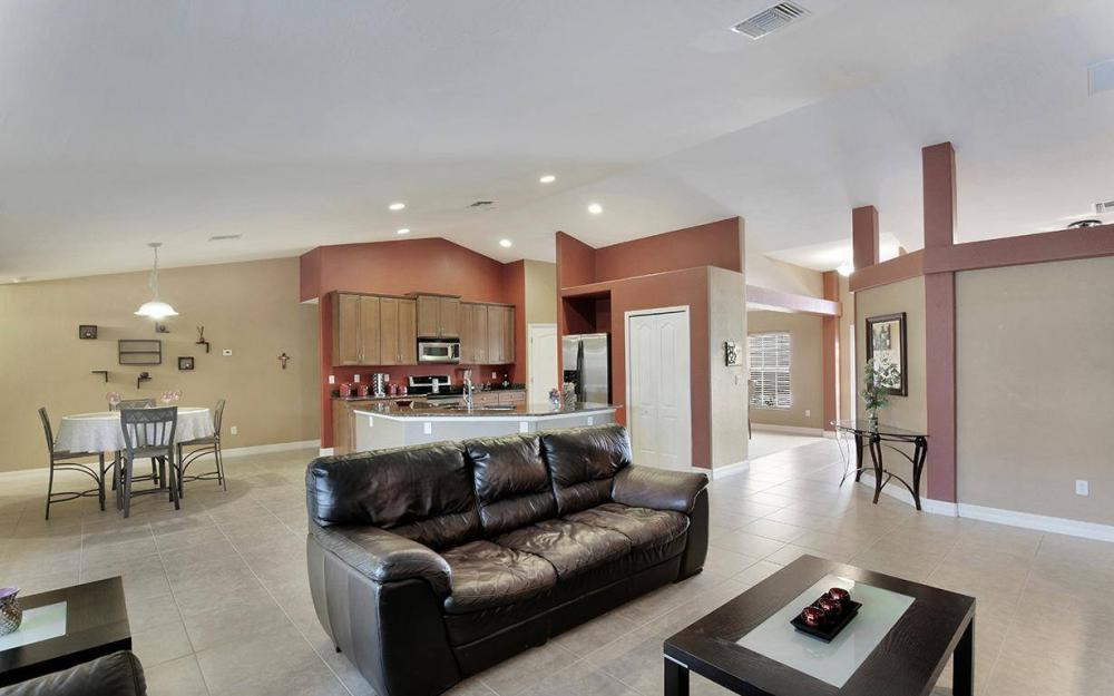 1905 SW 51st Ter, Cape Coral - House For Sale 338692523