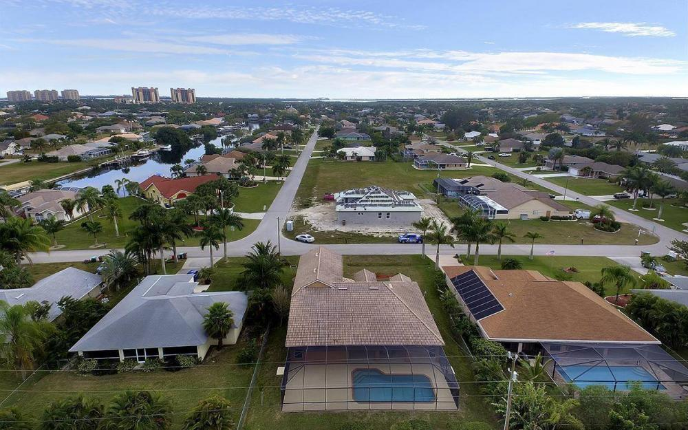 1905 SW 51st Ter, Cape Coral - House For Sale 835068435