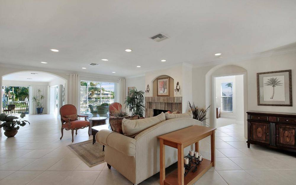 1565 Buccaneer Ct, Marco Island - House For Sale 900774327