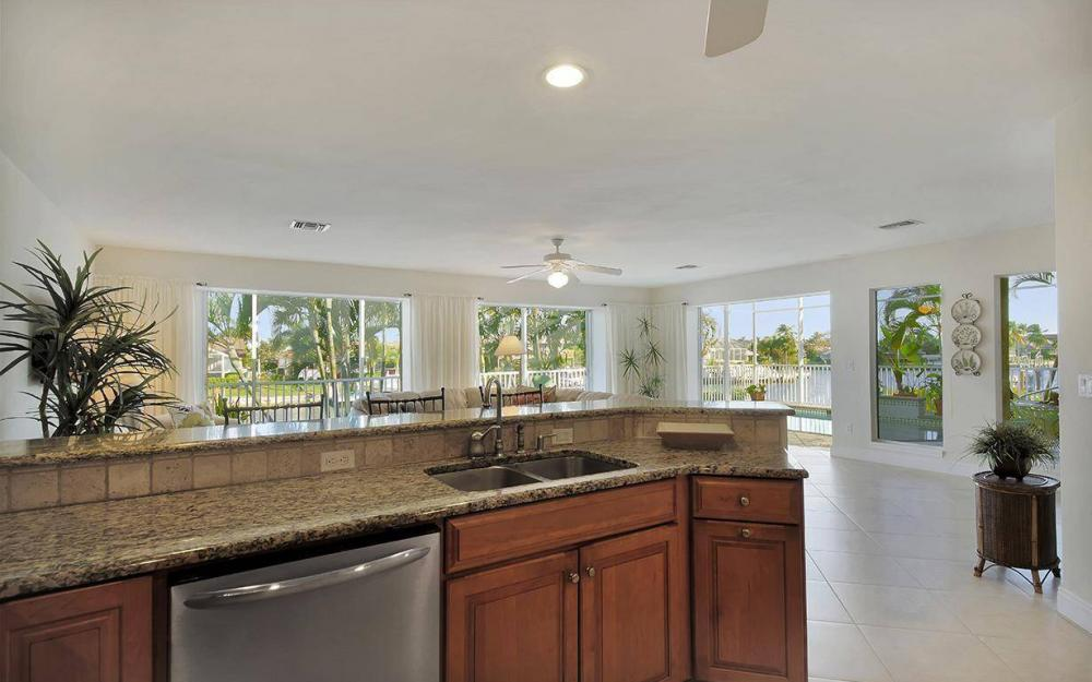 1565 Buccaneer Ct, Marco Island - House For Sale 1887120923