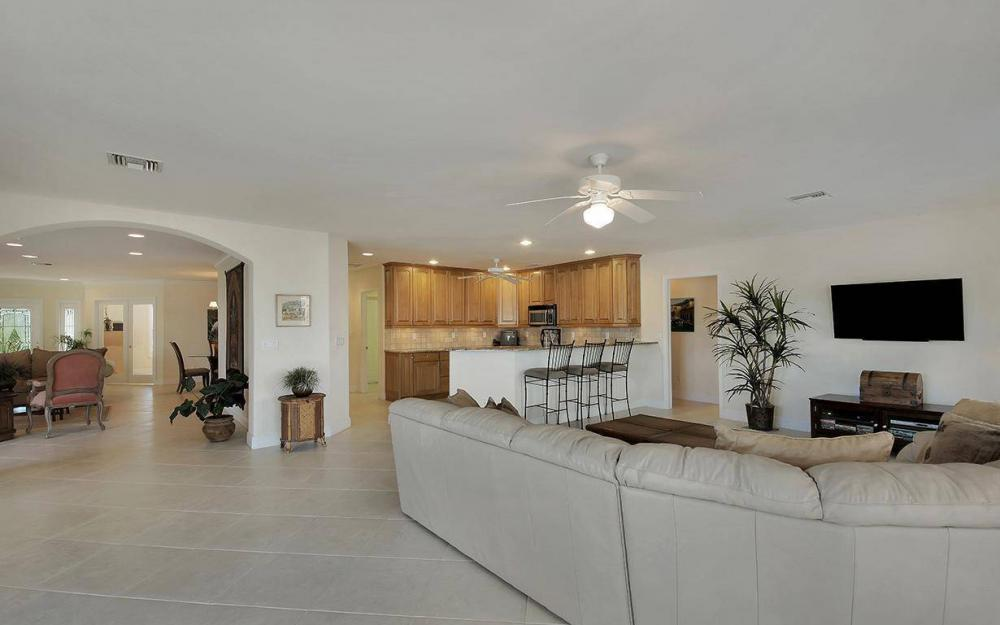 1565 Buccaneer Ct, Marco Island - House For Sale 975257329