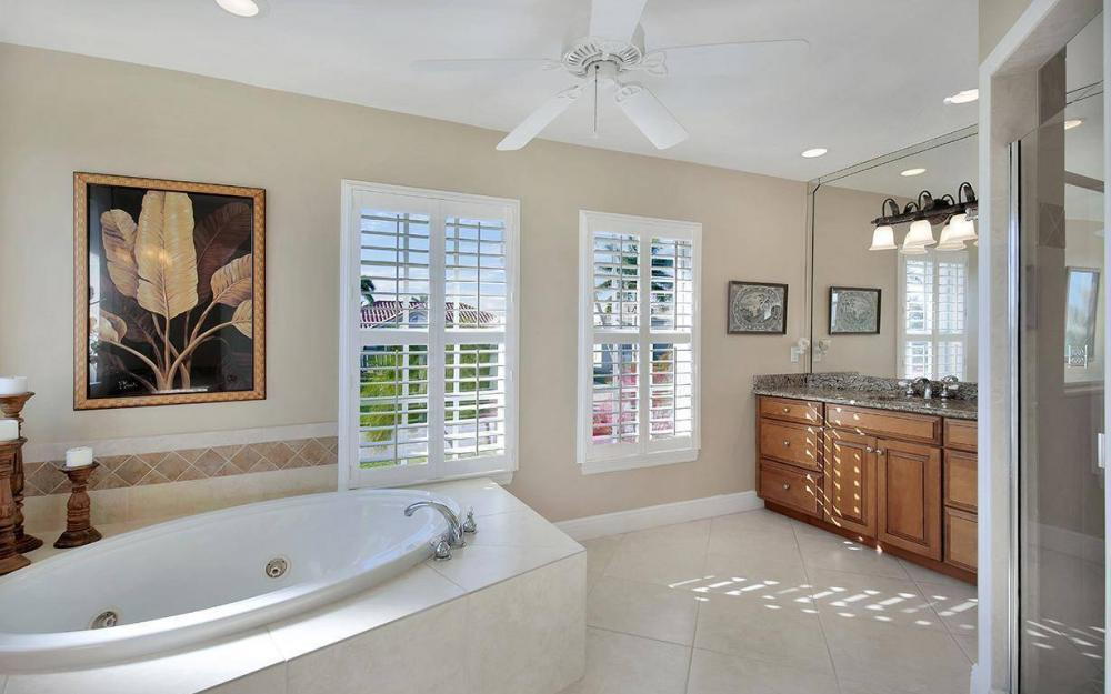 1565 Buccaneer Ct, Marco Island - House For Sale 1998940059