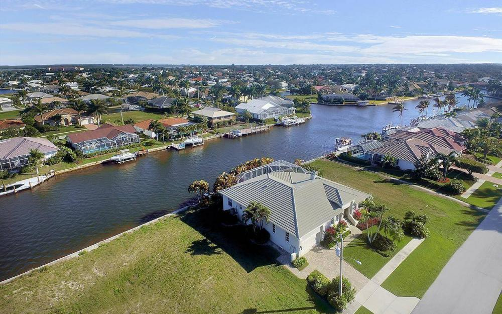 1565 Buccaneer Ct, Marco Island - House For Sale 164819396