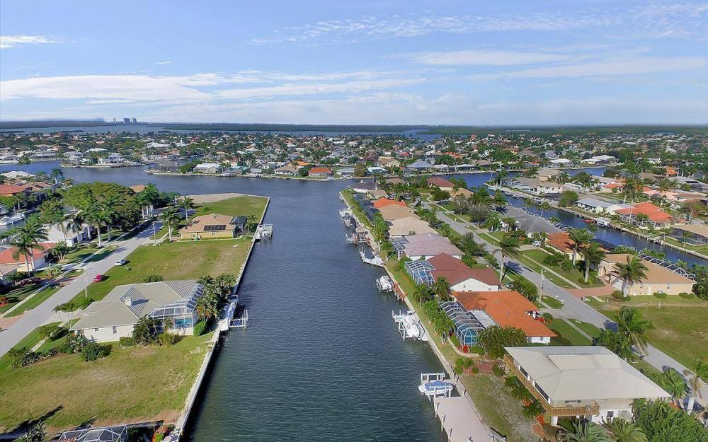 1565 Buccaneer Ct, Marco Island - House For Sale 2047641590