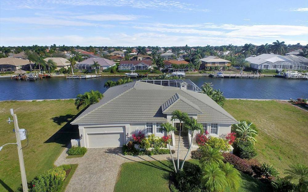 1565 Buccaneer Ct, Marco Island - House For Sale 383027999