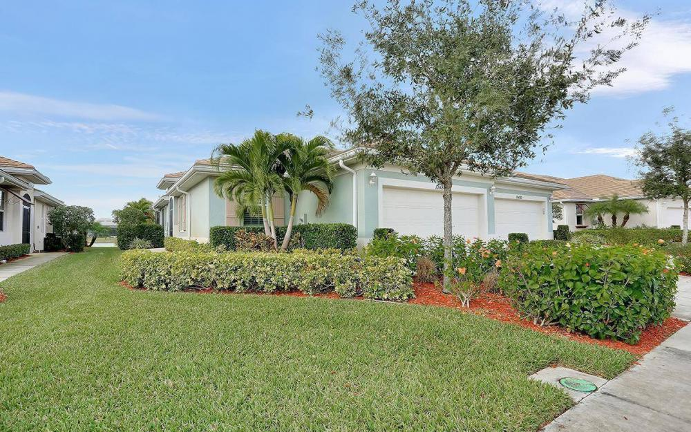 10484 Materita Dr,  Fort Myers - House For Sale 518343130