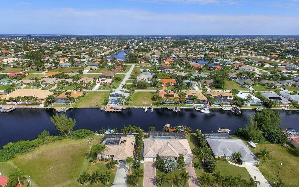 2213 SW 52nd St, Cape Coral - House For Sale 787150833