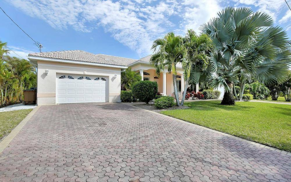 2213 SW 52nd St, Cape Coral - House For Sale 354828771