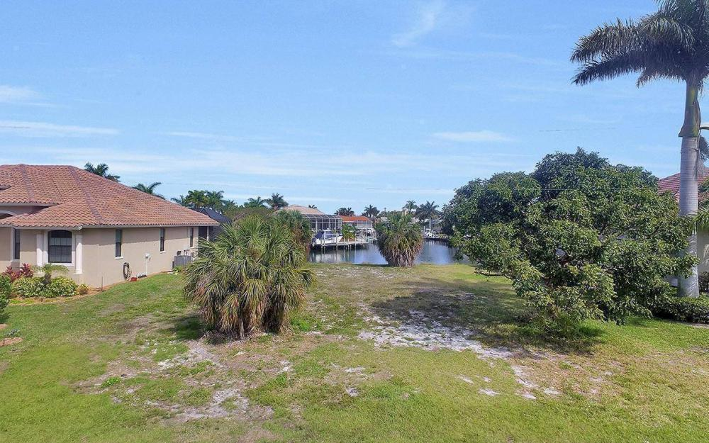 798 Caribbean Ct, Marco Island - Lot For Sale 1743414317