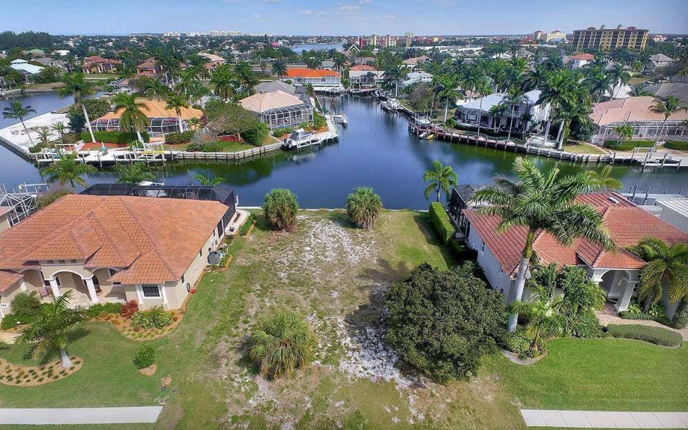 798 Caribbean Ct, Marco Island - Lot For Sale 1935911647