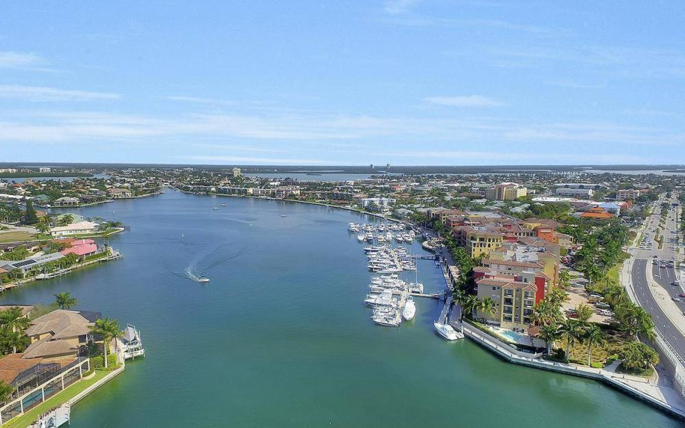 798 Caribbean Ct, Marco Island - Lot For Sale 1001737399