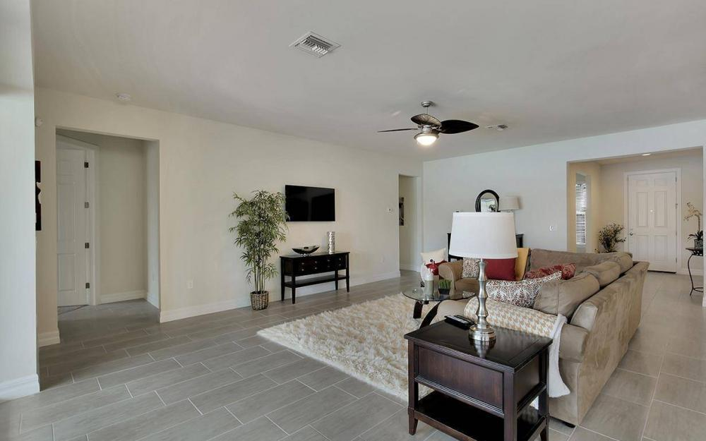 11818 Dixon Dr, Fort Myers - House For Sale 316488431