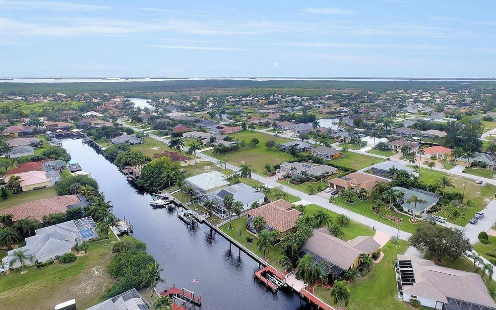 5311 SW 22nd Ave, Cape Coral - House For Sale 171909973