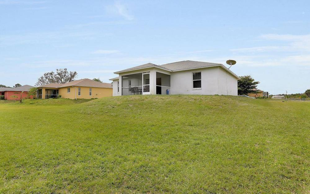 215 Rue Labonne Rd, Fort Myers - House For Sale 1446632889