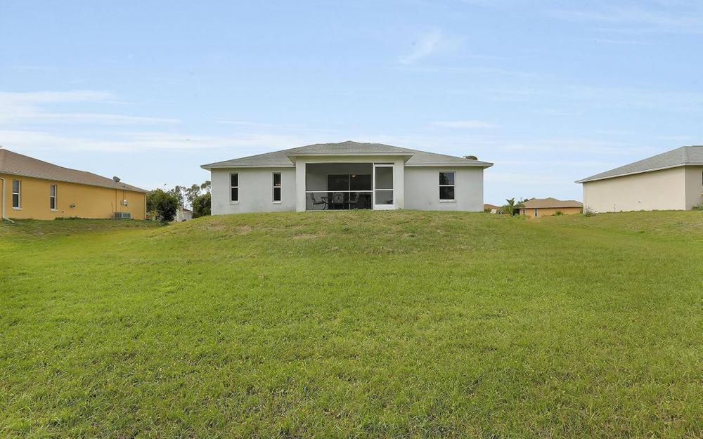 215 Rue Labonne Rd, Fort Myers - House For Sale 335344514