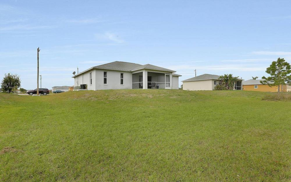 215 Rue Labonne Rd, Fort Myers - House For Sale 852970107