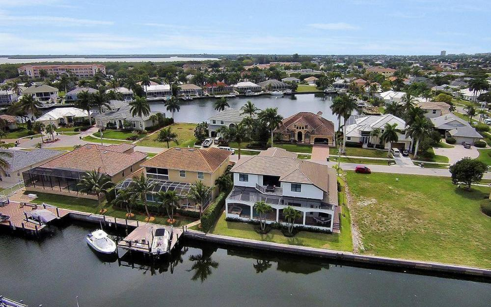 1812 Maywood Ct, Marco Island - House For Sale 2051063129