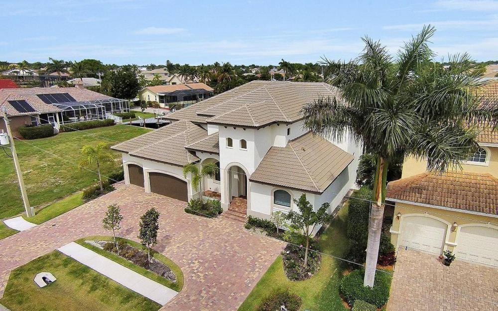 1812 Maywood Ct, Marco Island - House For Sale 2027370821