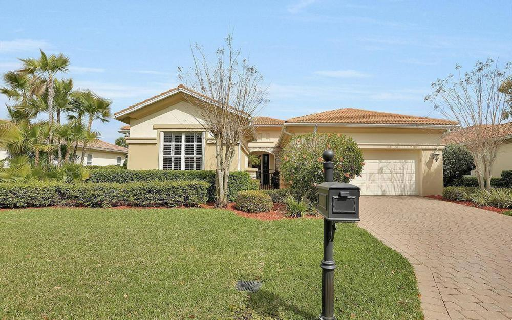 10509 Bellagio Dr, Fort Myers - House For Sale 1198138244