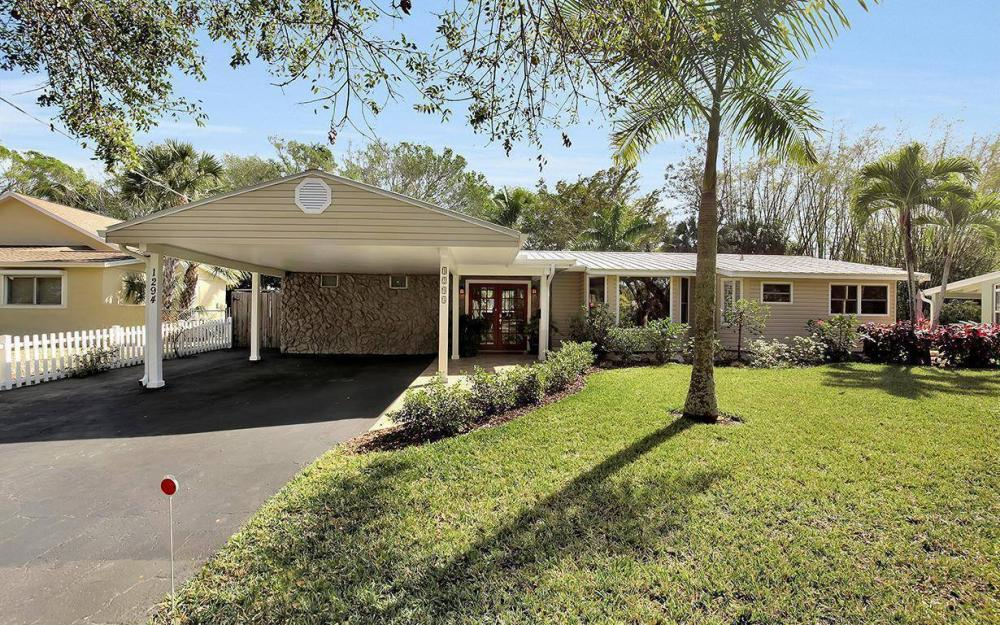 1294 13th St N, Naples - House For Sale 753307132