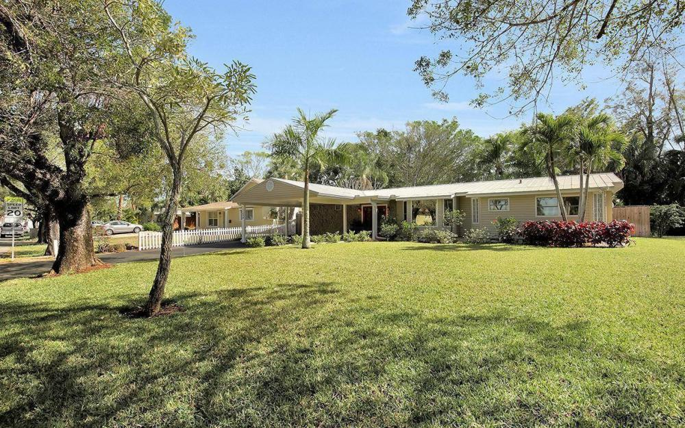 1294 13th St N, Naples - House For Sale 1057028495