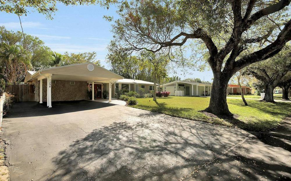 1294 13th St N, Naples - House For Sale 299844301