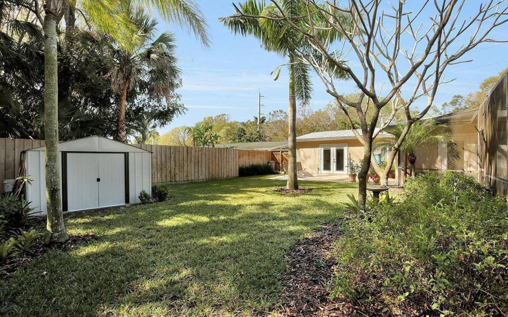 1294 13th St N, Naples - House For Sale 2103324050
