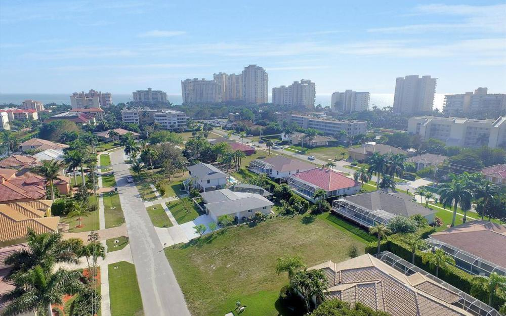 848 Swan Dr, Marco Island - Lot For Sale 2080793047