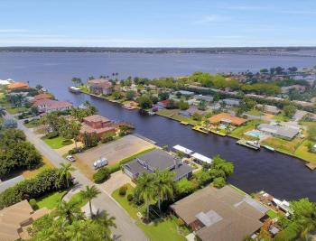 859 Cypress Lake Cir, Fort Myers - House For Sale 892580163