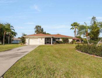 3301 Country Club Blvd, Cape Coral - House For Sale 289951121