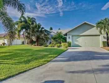 621 SE 33rd Ter - Cape Coral Real Estate 2087240637