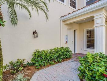 4425 Dover Ct - Naples Real Estate 871697236