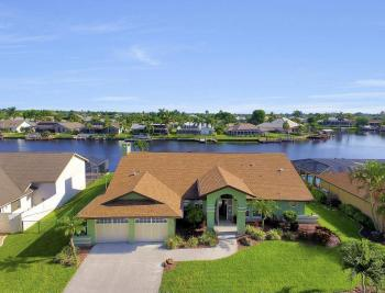 607 SW 57th St, Cape Coral - Home For Sale 1764557085