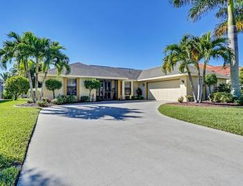 2208 Everest Parkway - Cape Coral Real Estate 1040520094