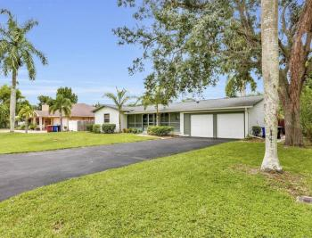 1260 Biltmore Dr, Fort Myers - Home For Sale 1248686794