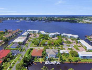 1415 Blue Point Ave, Naples - Condo For Sale 1671845876